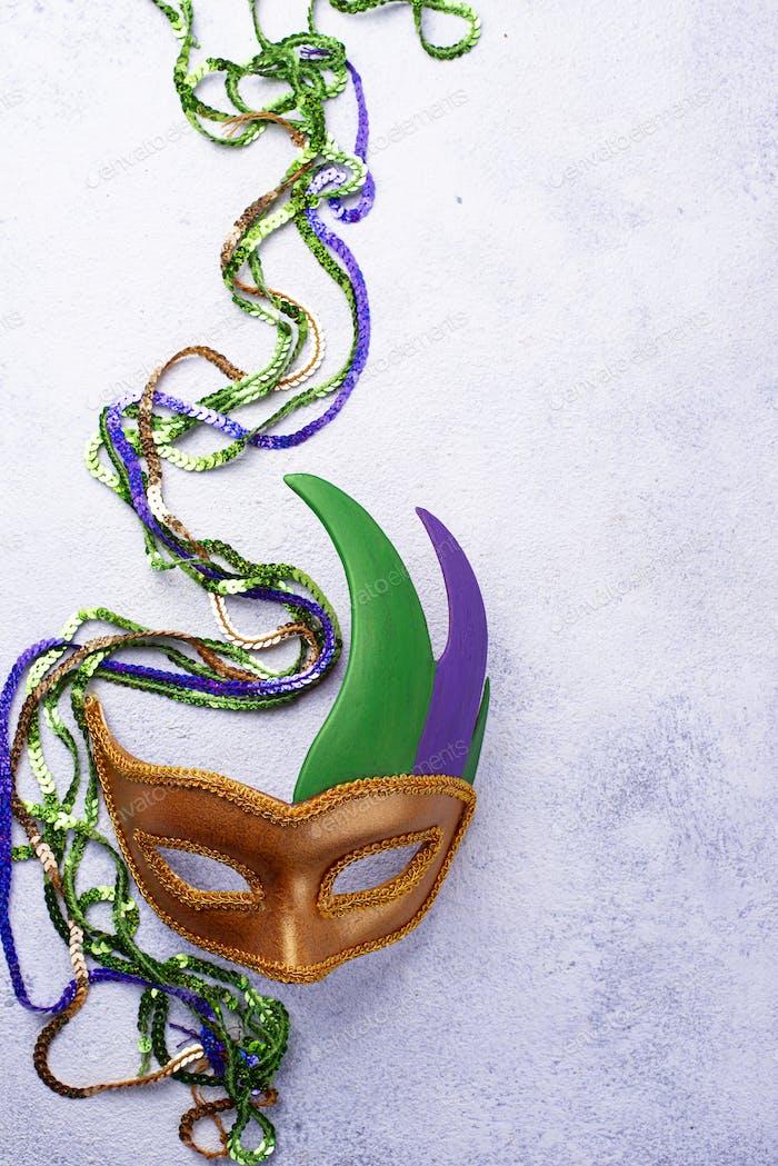 Mardi Gras fondo con máscara de carnaval