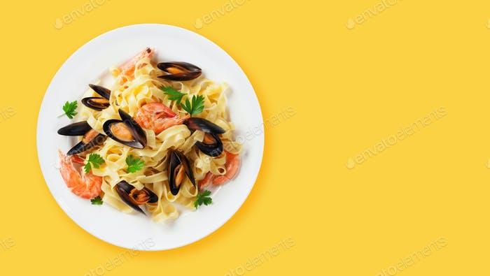 Fettuccine Meeresfrüchte Pasta