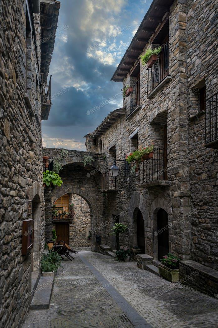 Calles de Ainsa, España