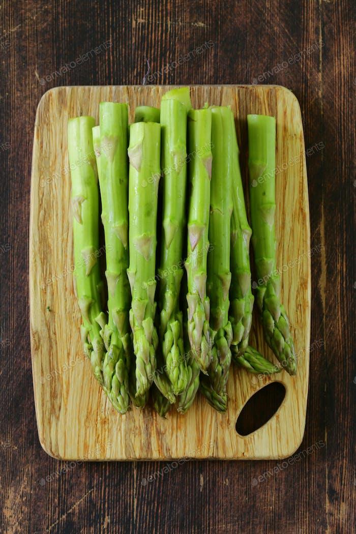 Fresh Green Organic Asparagus