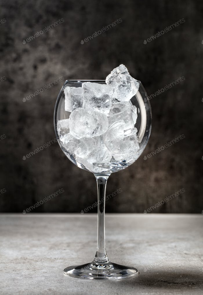 glass full of ice