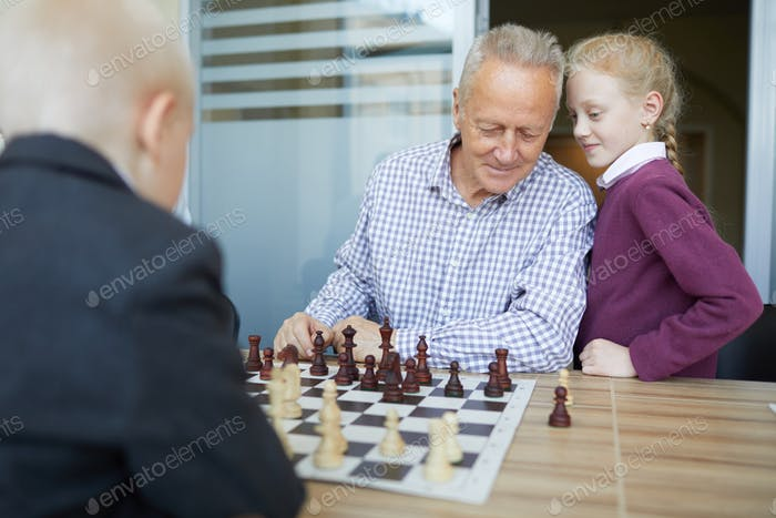 Giving chess advice