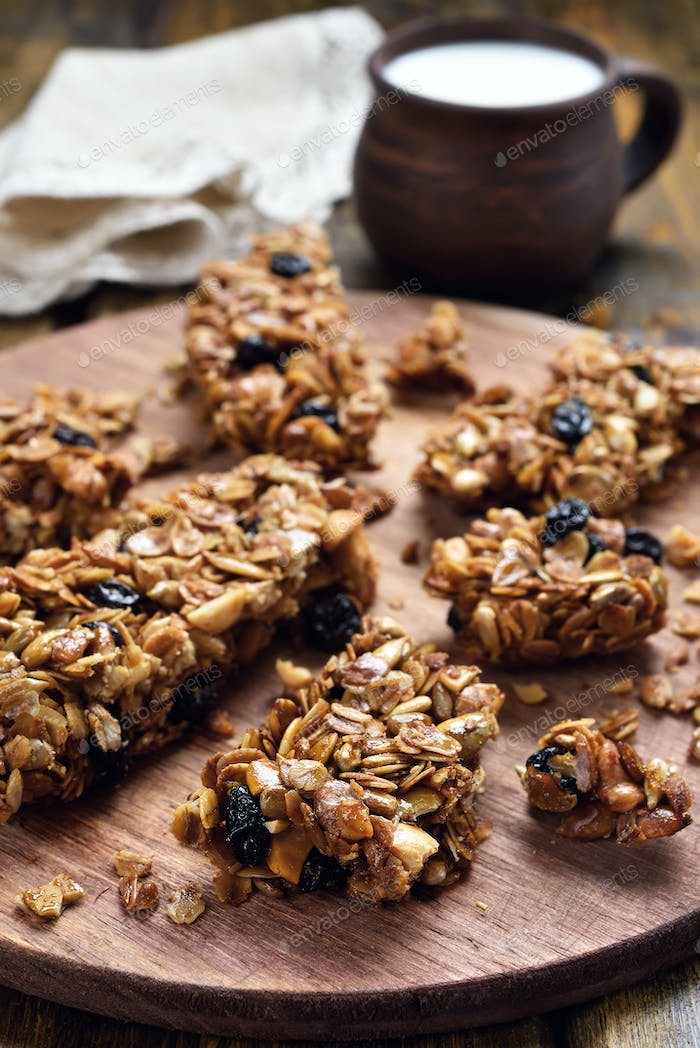 Healthy food muesli bars