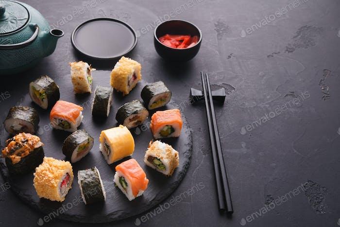 Sushi und Rollen Hintergrund, japanische Küche