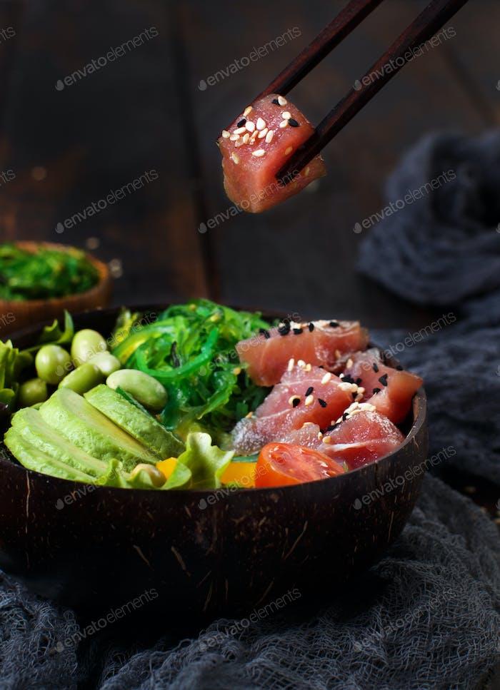 Hawaiianische Thunfischschale