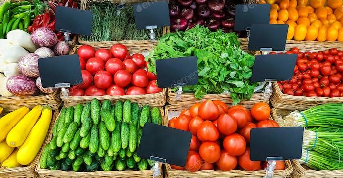 Fresh  vegetables  on shelf in supermarket.