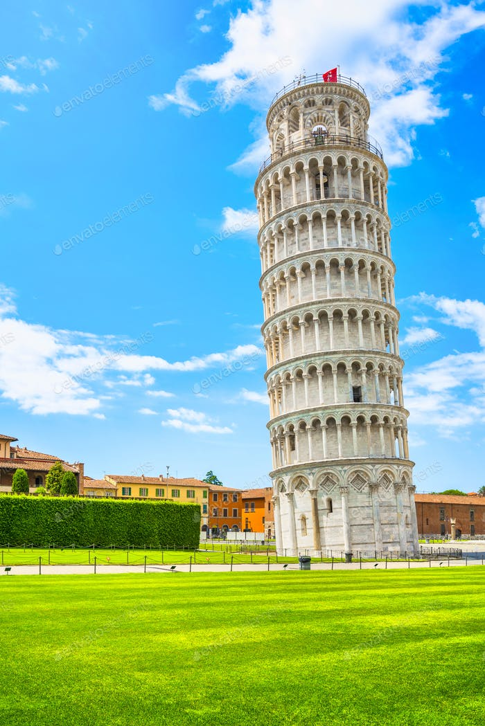 Leaning Tower of Pisa or Torre pendente di Pisa, Miracle Square. Tuscany, Italy