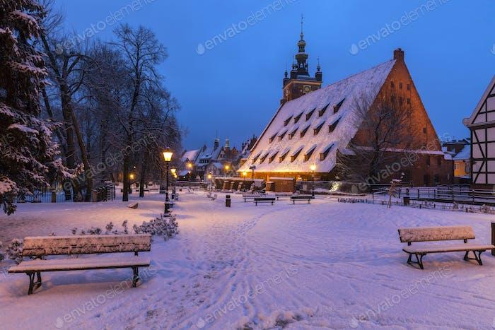 Gran molino en Gdansk por la Noche