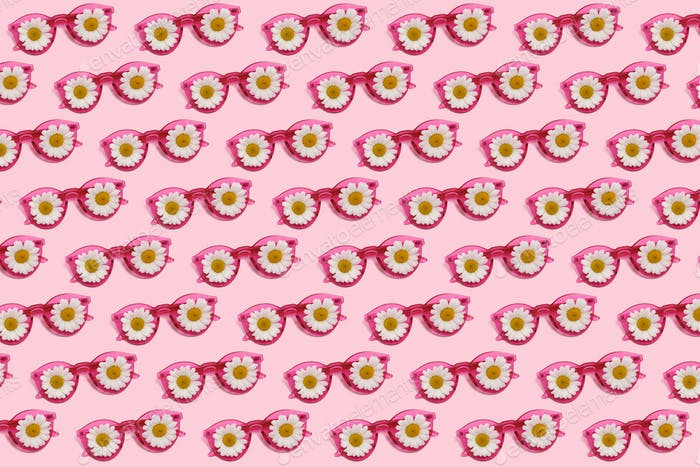 Pink glasses with daisies