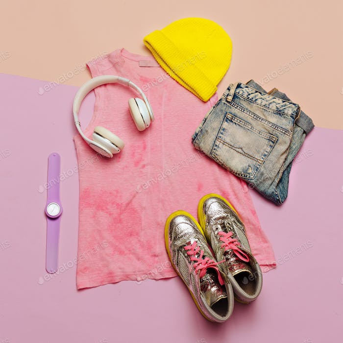 Swag Urban Outfit girl. Stylish summer clothes and bright access