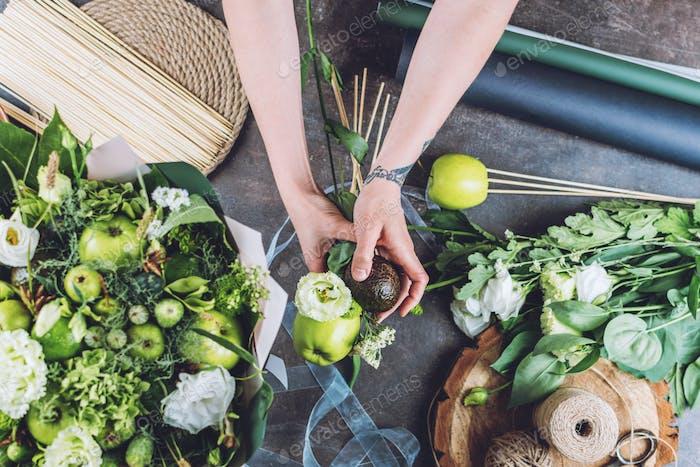 Florist business, small business, Naturalness, Flower Arranging, florist trends, tricks. Florist