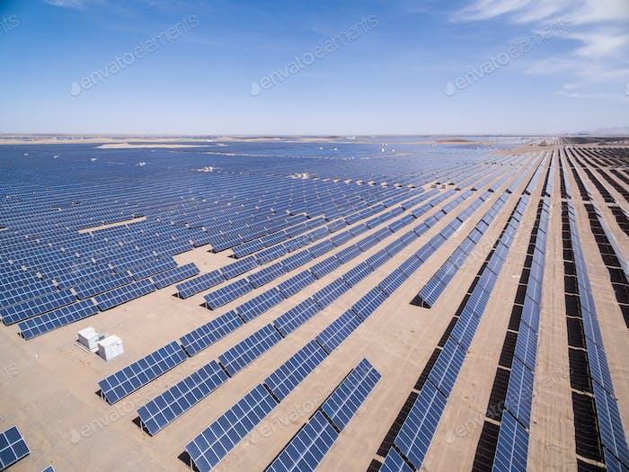 Luftaufnahme der Sonnenenergie