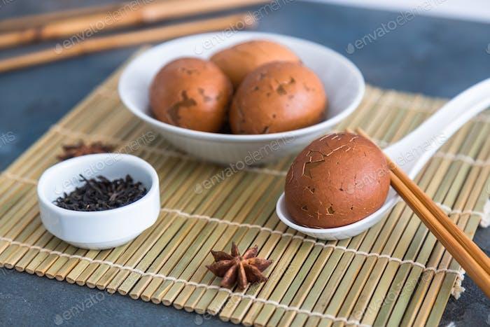 Huevos de té con arroz porrige