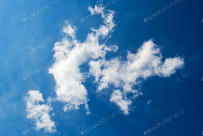 Himmel mit Wolken für Hintergrund