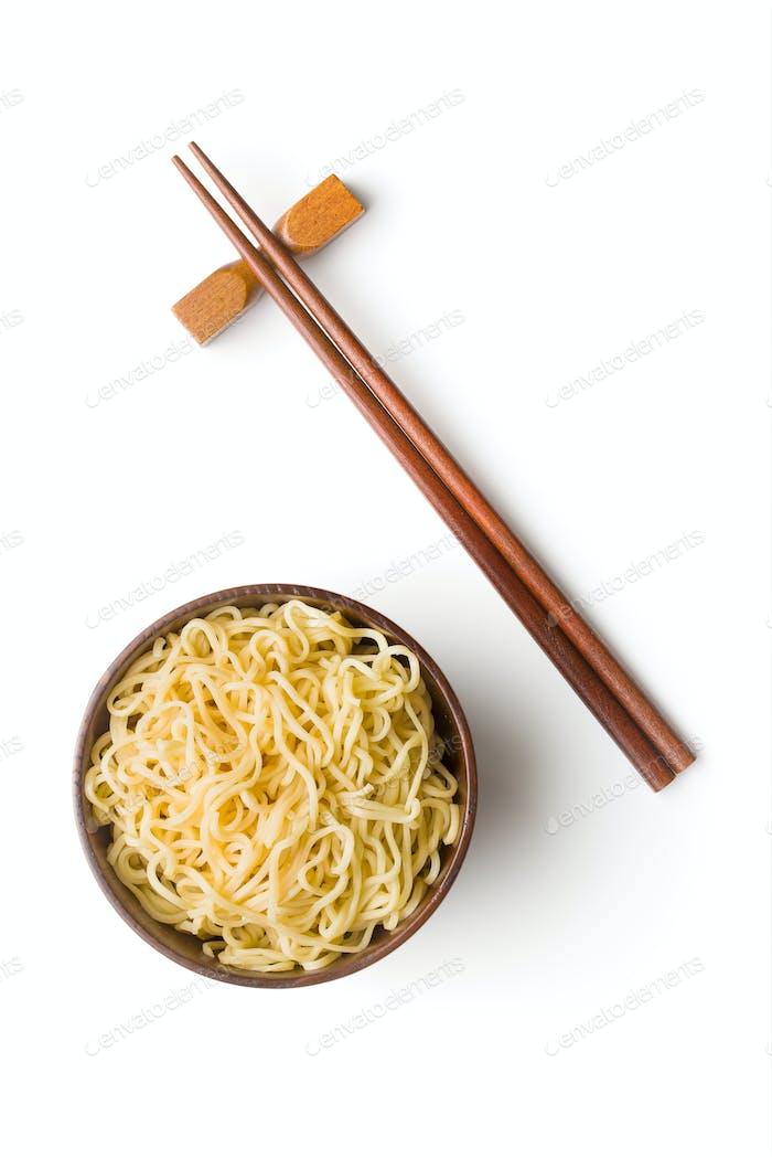 Gekochte chinesische Instant-Nudeln.