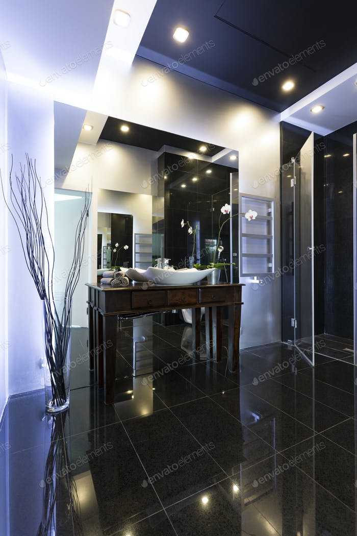 High gloss modern bathroom