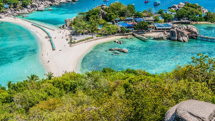 Beach between Koh Nangyuan Islands on Sunny Day surraunded by Beautiful Clear Blue Water, Surat