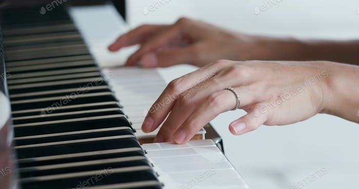 Woman play piano