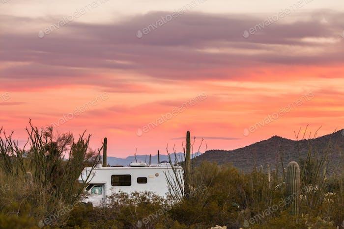 Wohnmobil-Camping auf Sonoran Wüste Campingplatz