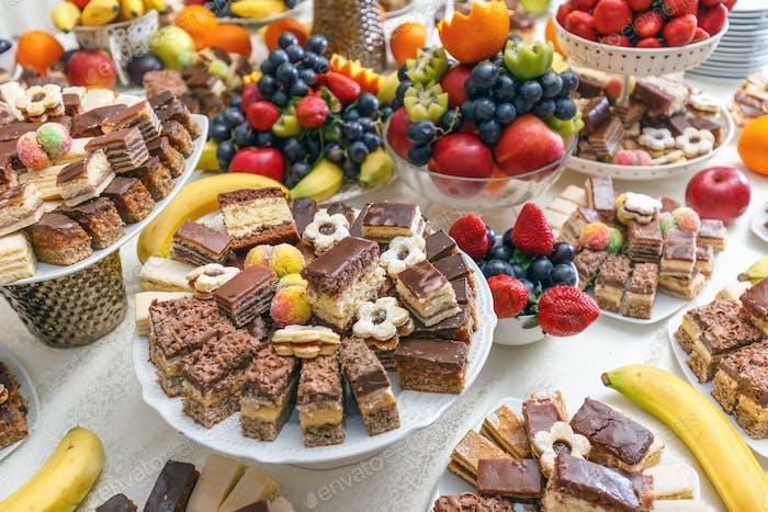 Desserttafel für eine Party