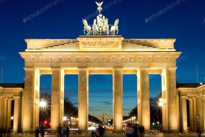 Das Brandenburger Tor bei Morgendämmerung