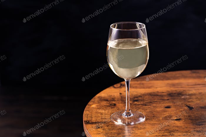 Refreshing White Wine Glass