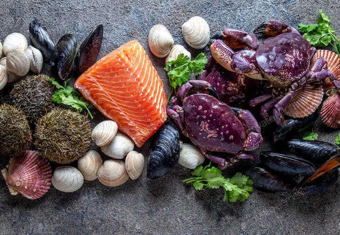 Fresh salmon, crabs ostions clams mussels, seaweed cochayuyo, sea urchins.