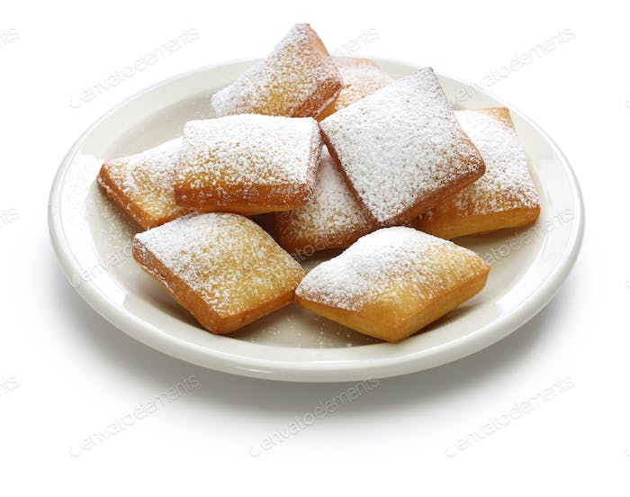 homemade new orleans beignet donuts