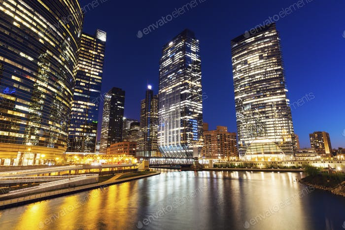 Architecture of Chicago at night
