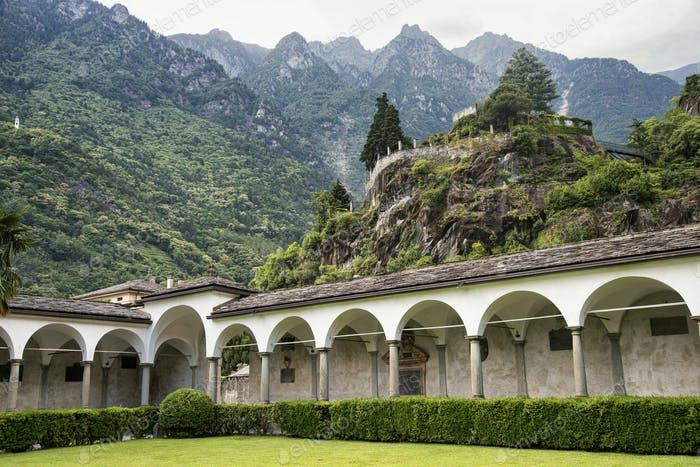 Chiavenna: cloister of San Lorenzo