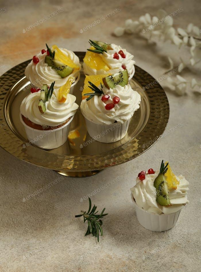 Vanilla Cupcakes with Cream