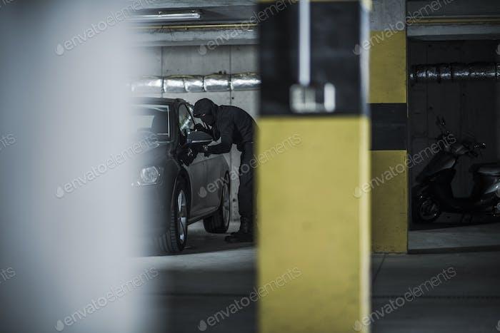 Ladrón de coches en una Acción