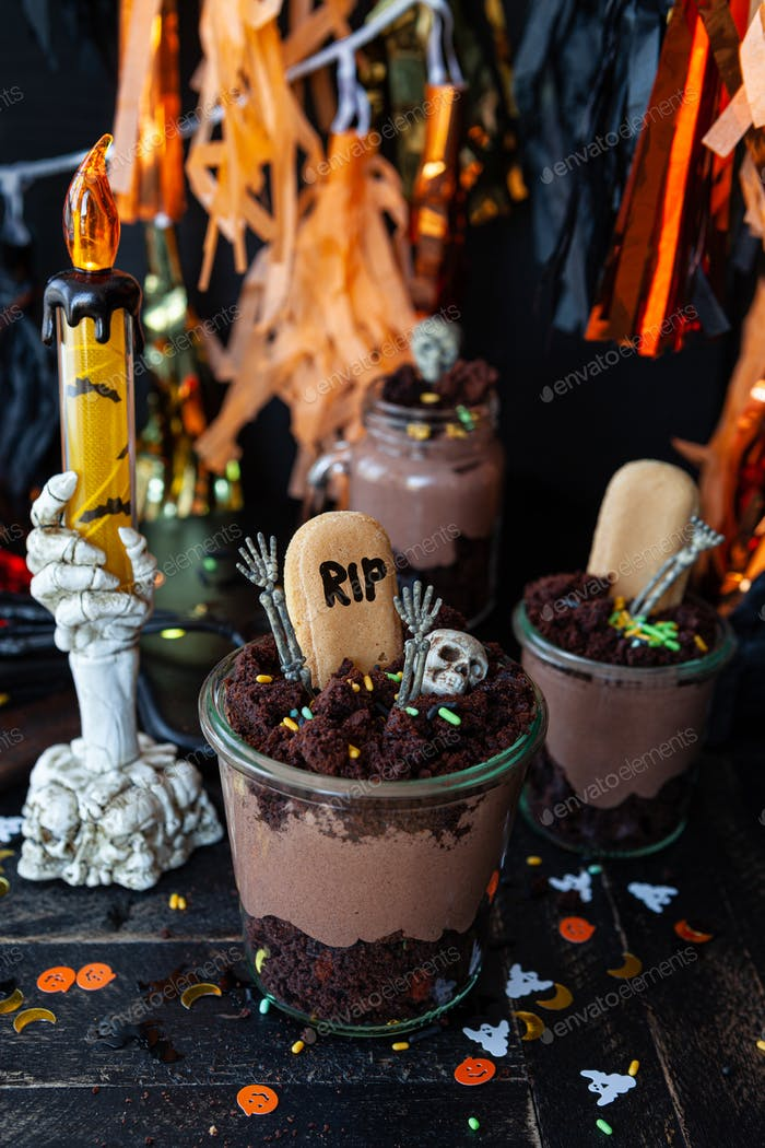 Scary dessert for Halloween