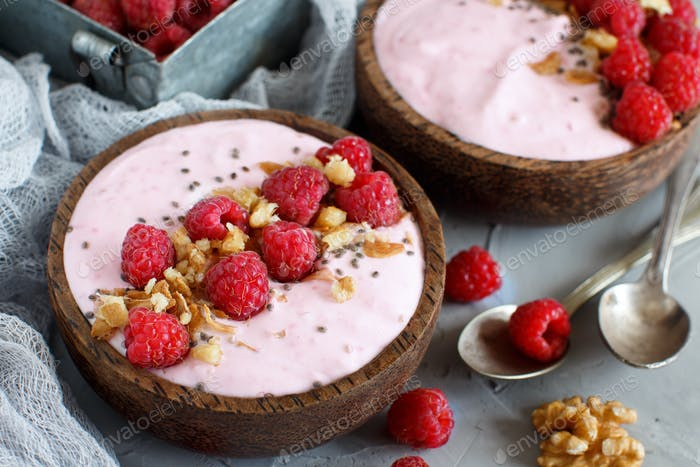 Raspberries smoothie bowls