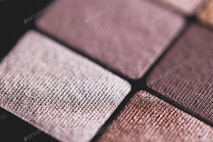 Set of nude mineral eyeshadow in a palette