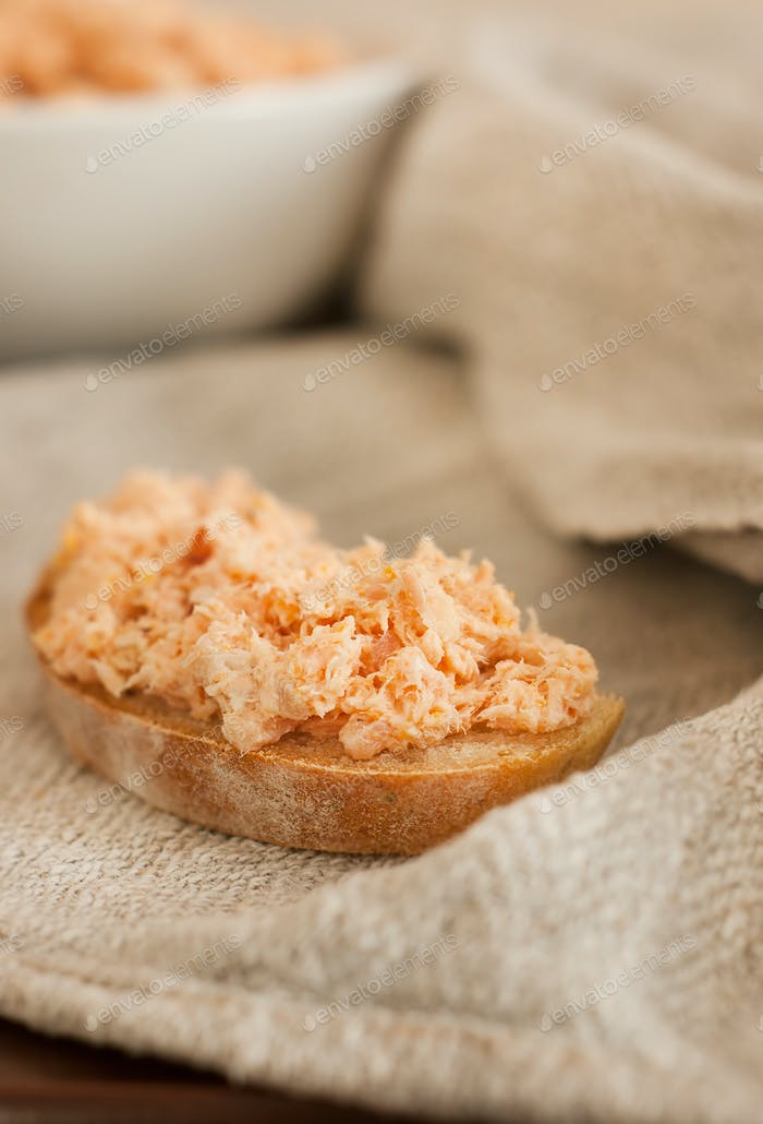 Trout pate (rillettes) and rustic bread