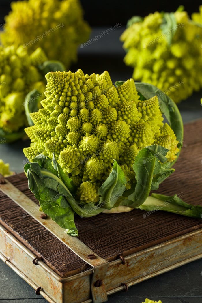 Raw Green Organic Romanesco