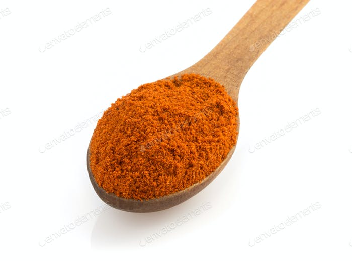 paprika spices in spoon i