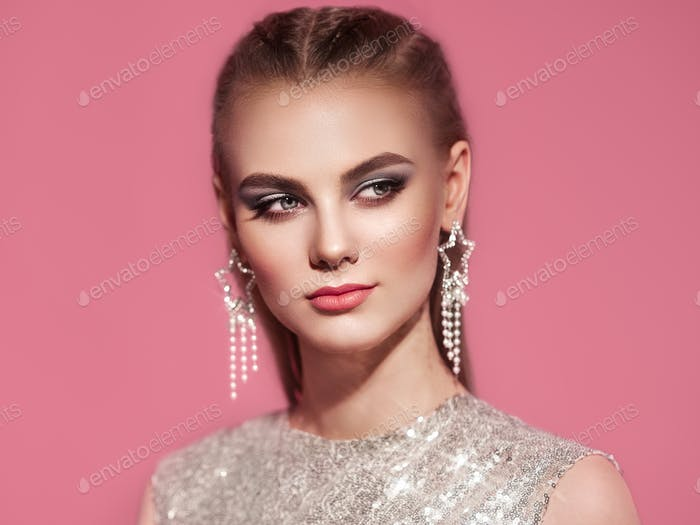 Portrait beautiful woman with jewelry
