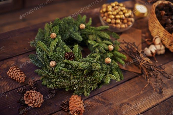 Coniferous wreath