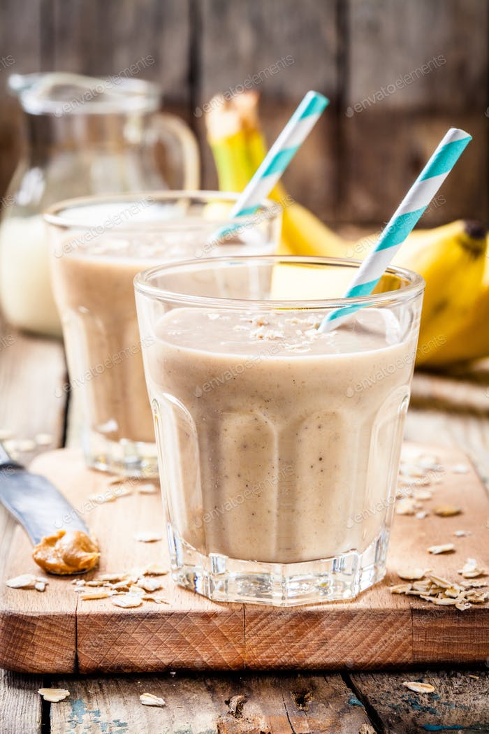 Banana smoothie with oatmeal, peanut butter and milk