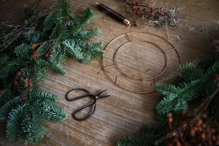 Making Christmas wreath of spruce, step by step