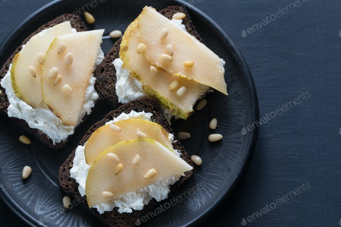 Sandwiches with cream cheese