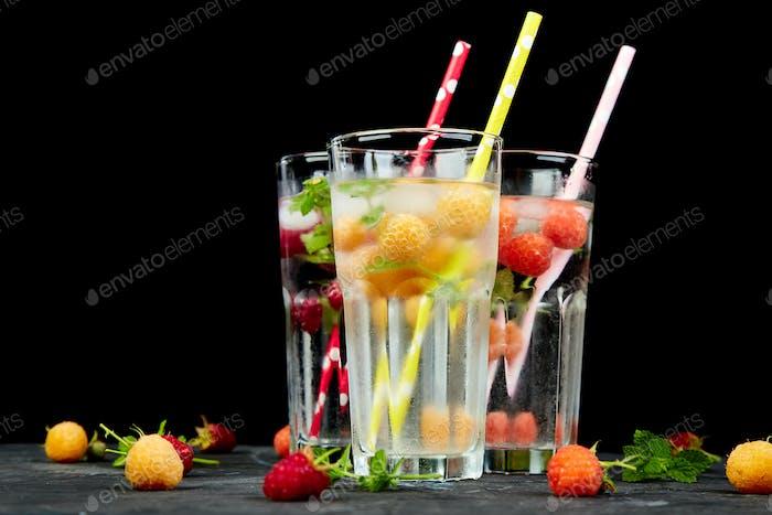 Detox infundiertes aromatisiertes Wasser