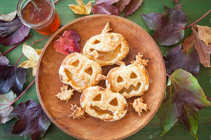 Scary pumpkin pies