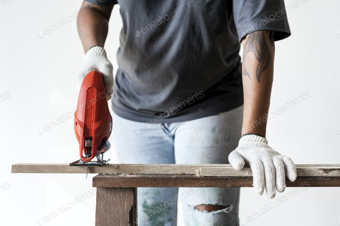 Menschen renovieren das Hauskonzept