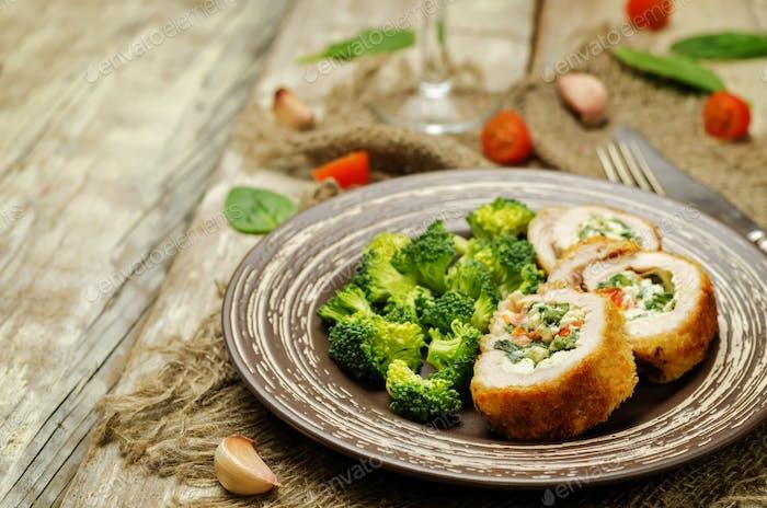 Ricotta tomato spinach stuffed turkey with broccoli