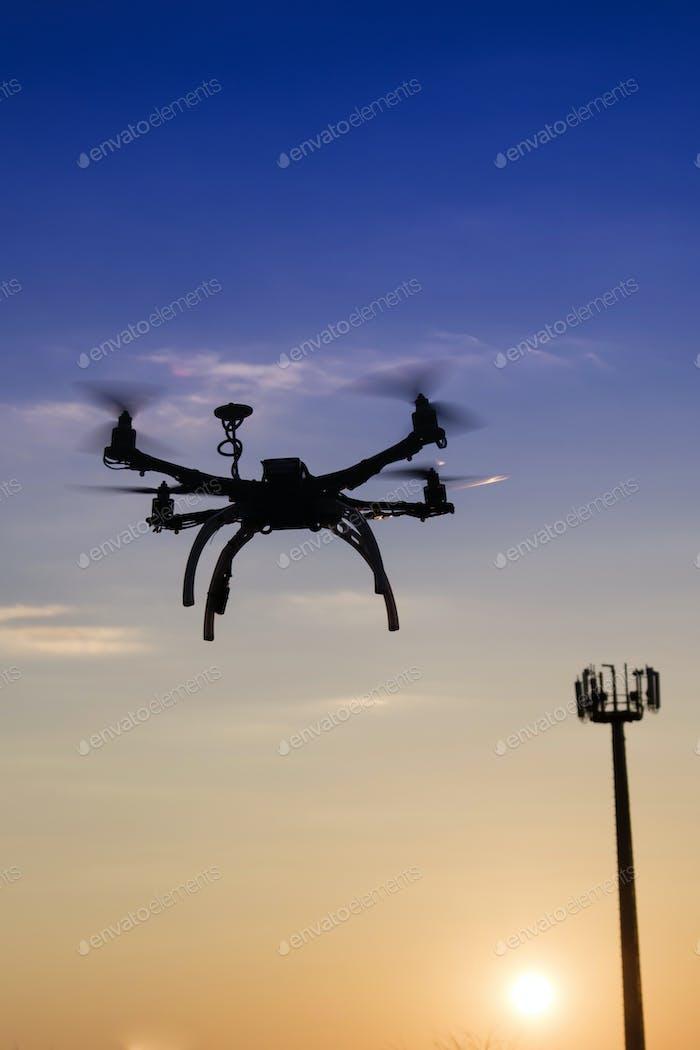 Antennensteuerung mit Verwendung der Drohne