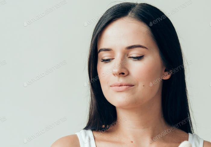 Brush  makeup woman face healthy skin natural make up powder