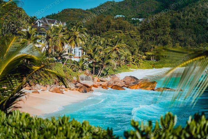 Erstaunlicher Blick auf den berühmten Anse Intendance Strand, Mahe, Seychellen